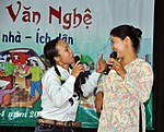 Residents in Vietnam's Tien Ngoai Commune, Duy Tien District, Ha Nam Province, discuss ways to prevent and control avian and pandemic influenza. (5753786889).jpg