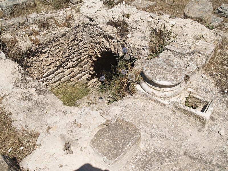 Roman Cistern at Dougga - isawnyu.jpg