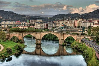 Roman bridge, Ourense (Spain).jpg