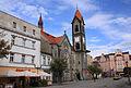Rynek w Tarnowskich Górach z dominującym kościołem ewangelickim.jpg