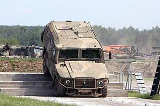 Воени теренски возила 320px-SPM-2_during_IDELF-2010