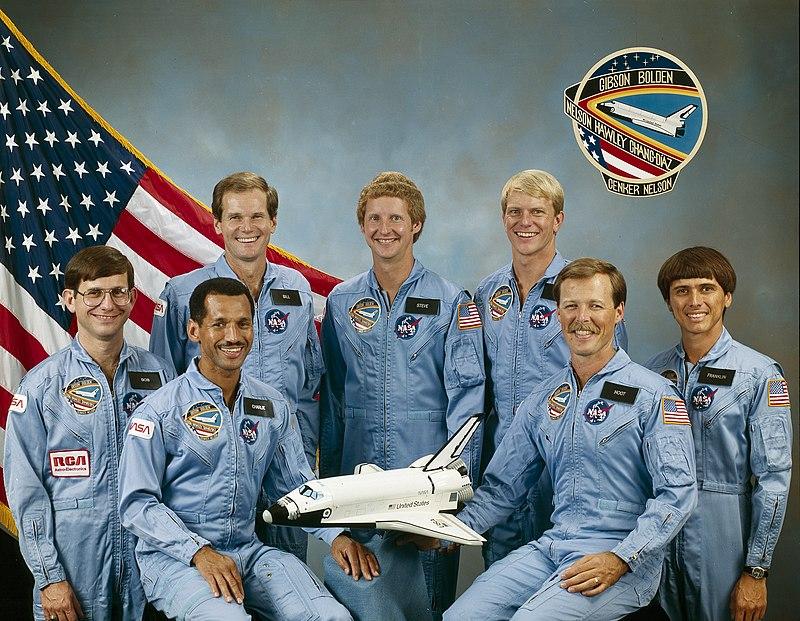 [USA] Elections de mi-mandat 2018 800px-STS-61-C_crew