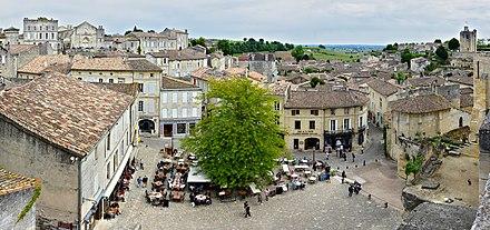 place principale, Saint-Emilion (Сент-Эмильон), Франция