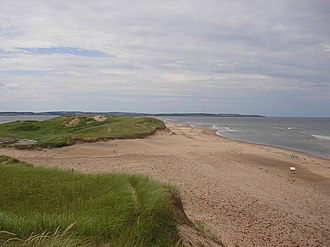 Cavendish Beach - Image: Sand duns and beach