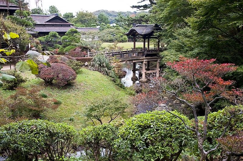 File:Sankeien Rinshukaku and Teisha Bridge.jpg