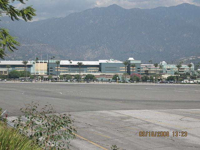Ипподром «Санта-Анита», подробно описанный в романе «Почтамт»
