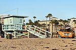 Santa Monica Beach (14105248340).jpg