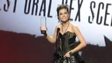 Archivo:Sasha Grey at AVN Awards 2010 Best Oral Sex Scene.ogv