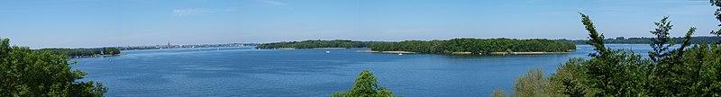 File:Schweriner See von Süden.jpg