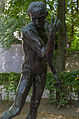Sculpture in the Jardin du Musée Rodin 01.jpg