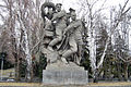 Sculpture of two soldiers, who throw a swastika and the hydra 001.jpg