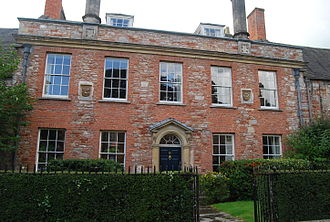 Vicars' Close, Wells - Shrewsbury House