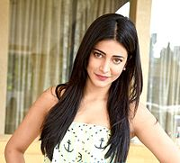 Shruti Haasan grace the Carzonrent-Gabbar Is Back Meet & Greet,2015.jpg
