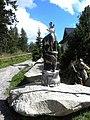 Socha kamzíci Štrbské Pleso 18 Slovakia.jpg