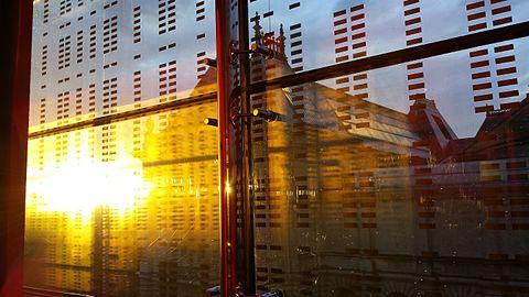 Soleil couchant - Palais des Beaux-Arts depuis le bâtiment-lame.jpg