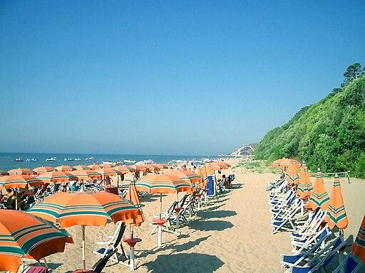 Spiaggia Est di San Menaio Large
