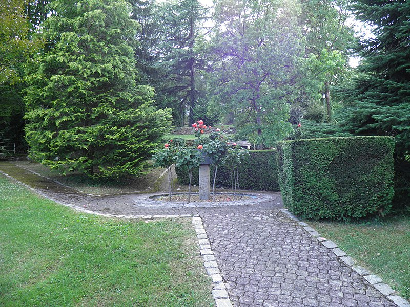 File:Square d'Oerlinghausen (Villers-lès-Nancy).jpg