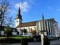 St.Walburga Meschede mit Emhildiskapelle.JPG