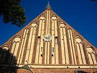 St. Georg (Wiek) - front 3.jpg
