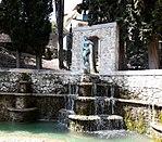 Statua di Afrodite trionfante. Fontana del Delfino.jpg