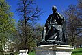 Statue of Edward Jenner in Kensington Gardens, London spring 2013 (1).JPG