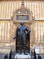 Statue of Thomas Bodley.jpg