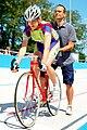 Stehender Start beim Bahnradsport 01.JPG