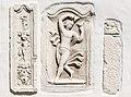 Steindorf am Ossiacher See Tiffen Pfarrkirche drei roem Grabbaureliefs 20042016 1636.jpg