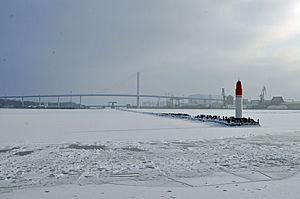 Stralsund, Strelasundquerung, Mittelmole (2012-02-05), by Klugschnacker in Wikipedia.jpg