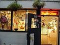 Studio Glass Shop Vancouver Canada - panoramio.jpg