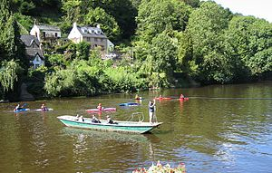 Symonds Yat - Hand-pulled ferry over the River Wye at Symonds Yat