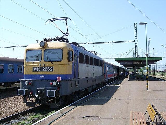 640px-Szolnok_V43-2263.jpg
