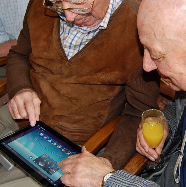 File:Tablet-PC Parkwohnstift 06.JPG