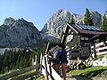 Tannheimer Hütte mit Gimpel.JPG