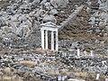 Temple of Isis, Delos 04.jpg