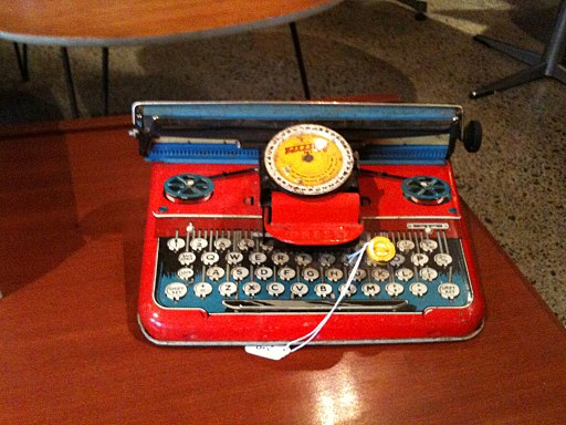 Tin typewriter (3843753919)