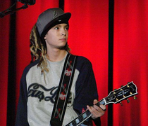 Tom Kaulitz.png