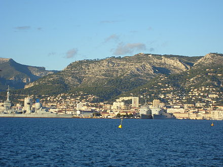 View of Toulon, the Arsenal and Mount Faron from the Harbour. Toulon Rade and Arsenal.jpg
