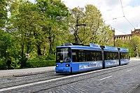 Tramlijn 19 München (39962752414).jpg
