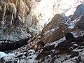 Trecho da travessia da Caverna de Terra Ronca.jpg