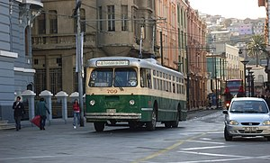 Trolleybuses in Valparaíso - 1952 Pullman trolleybus 709 in service in 2008