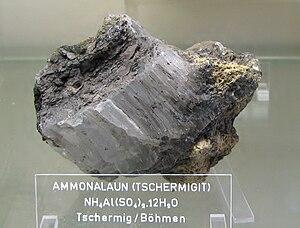 Tschermigit (Ammonalaun) - Tschermig, Böhmen.jpg