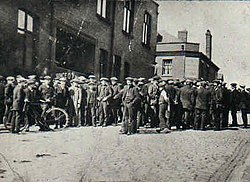 Tyldesley miners outside the Miners Hall during the 1926 General Strike.jpg