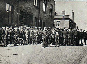 Labour law - Strikers gathering in Tyldesley, Greater Manchester in the 1926 General Strike in the U.K.