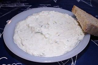 Foto de un plato de tatziki
