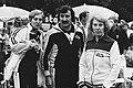 V.l.n.r. presentatrice Ria Bremer, politici Harry van den Bergh en Til Gardenier, Bestanddeelnr 930-3922.jpg
