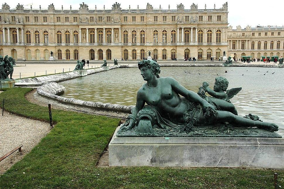 Versailles-Chateau-Jardins-Sculpture
