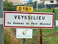 Veyssilieu-FR-38-panneau d'agglomération-2.jpg