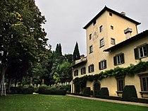 Villa capponi, lato giardino 03.JPG