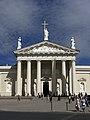 Vilnius Cathedral Entrance (4697098797).jpg